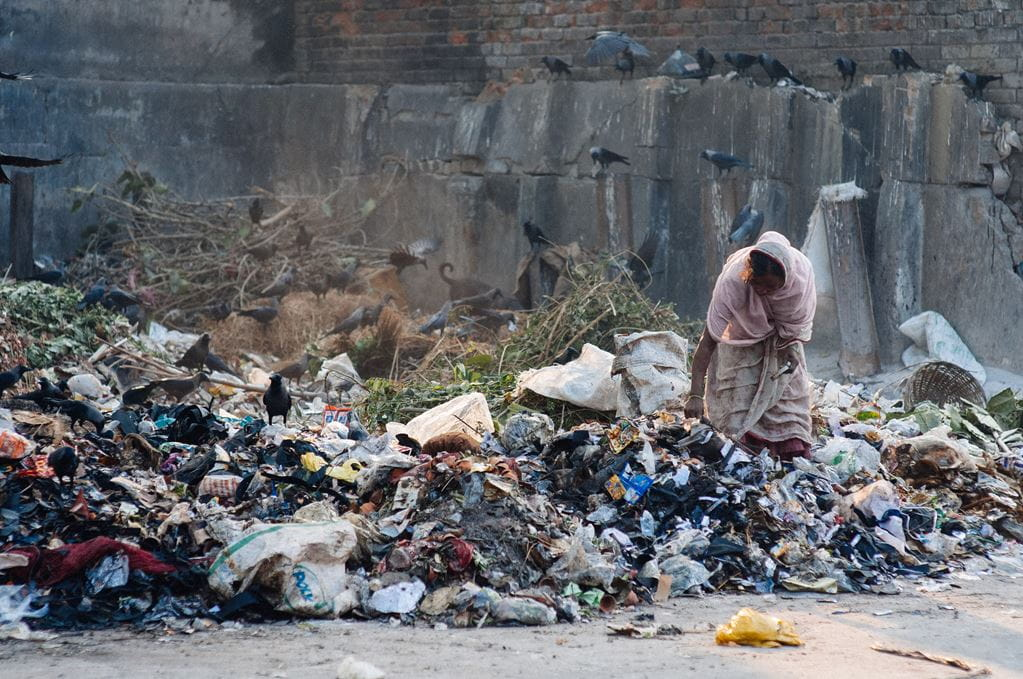 A local picks through waste in Calcutta, India. Andrew Philip/Tearfund